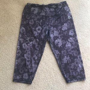 Cropped leg yoga pants